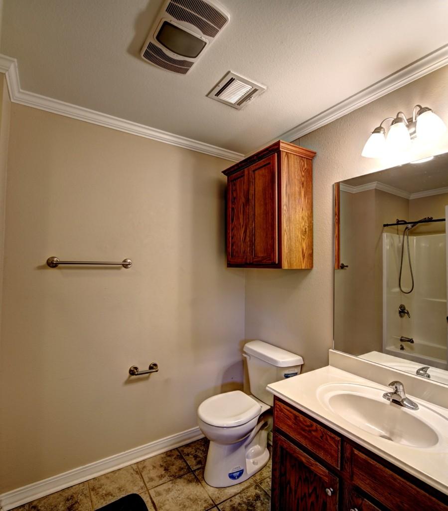 7 - bathroom